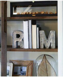 Stojak na książki litery RM